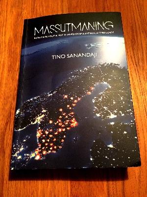 Massutmaning är en bok av Tino Sanandaji som bestrider PK-medias felaktiga antaganden om massimmigrationens fördelar för Sverige.